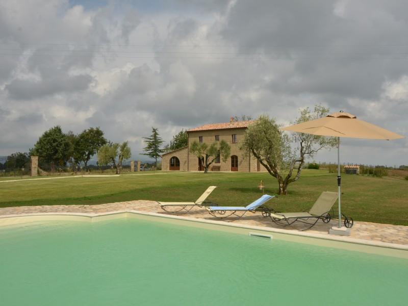 villa sorano villa in italien toskana mieten sonnigetoskana. Black Bedroom Furniture Sets. Home Design Ideas